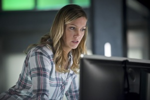 """Arrow -- """"Eleven-Fifty-Nine"""" -- Image AR418b_0062b.jpg -- Pictured: Katie Cassidy as Laurel Lance -- Photo: Diyah Pera/The CW -- © 2016 The CW Network, LLC. All Rights Reserved."""