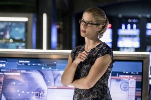 """Arrow -- """"What We Leave Behind"""" -- Image AR509a_0266b.jpg -- Pictured: Emily Bett Rickards as Felicity Smoak -- Photo: Jack Rowand/The CW -- © 2016 The CW Network, LLC. All Rights Reserved."""