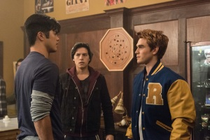 """Riverdale -- """"Chapter Two: A Touch of Evil"""" -- Image Number: RVD102d_0448.jpg -- Pictured: Ross Butler as Reggie Mantle, Cole Sprouse as Jughead Jones and KJ Apa as Archie Andrews -- Photo: Dean Buscher/The CW -- © 2016 The CW Network. All Rights Reserved"""