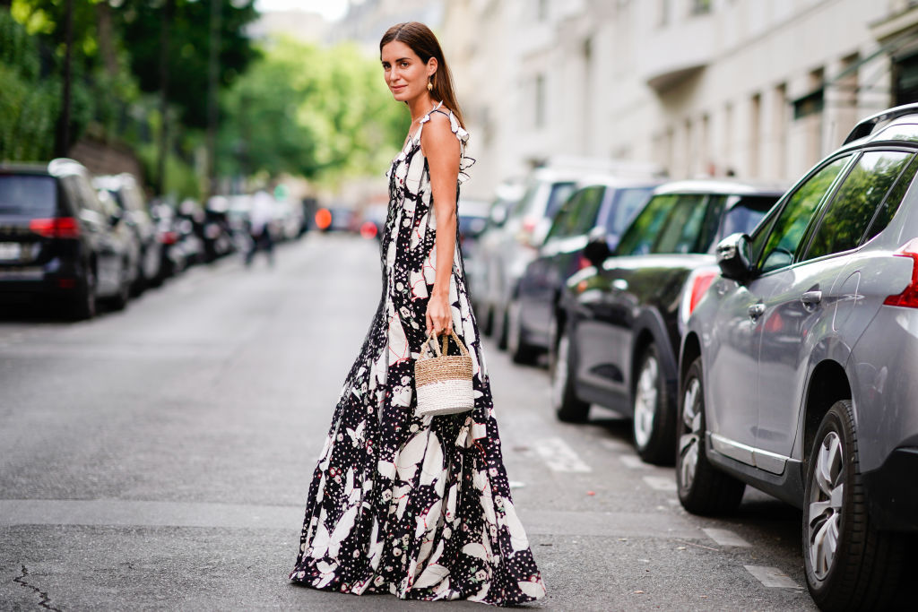 trendy straw bag - Street Style - Paris Fashion Week - Haute Couture Fall/Winter 2017-2018 : Day Four