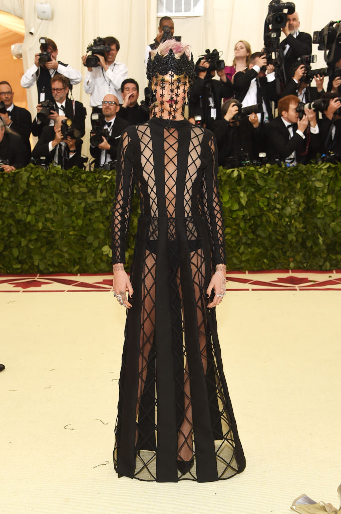 Cara Delevigne attends the Heavenly Bodies